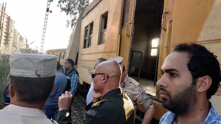 أول رد فعل من الفريق «كامل الوزير» وزير النقل بشأن حادث قطار كفر الشيخ.. صور وفيديو