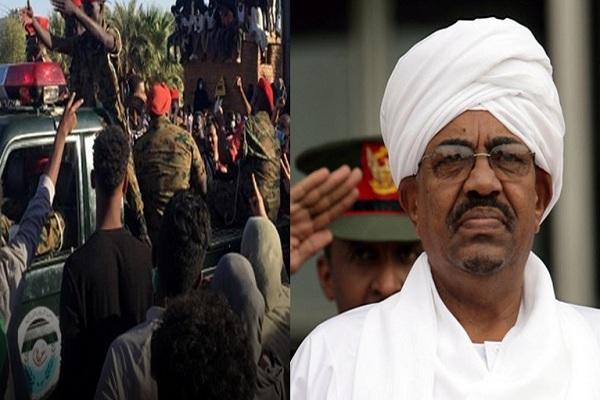 عاجل| تحركات عسكرية في السودان والسيطرة على الإذاعة والتلفزيون واعتقال قيادات وإغلاق مطار الخرطوم وبيان للجيش السوداني