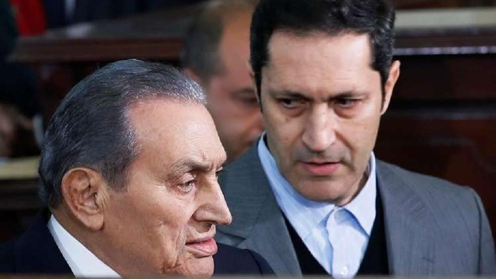 """""""عمال يهبد"""" و""""خمسة ضحك وفرفشة"""".. علاء مبارك يثير الجدل بتصريحات نارية على مواقع التواصل"""