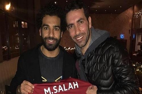 أبو تريكة: تواصلت مع صلاح.. لكنه يحاول نسيان هذا اللاعب.. وفرص لحاقه بمباراة برشلونة وكأس أمم أفريقيا