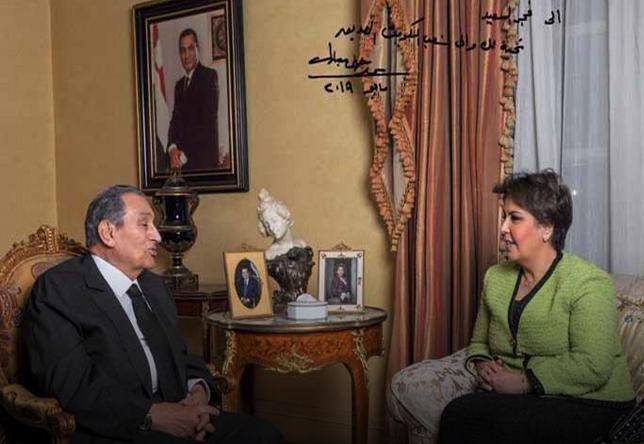 «فجر السعيد» تنشر كواليس وأسرار جديدة بعد حديثها مع الرئيس الأسبق «مبارك»