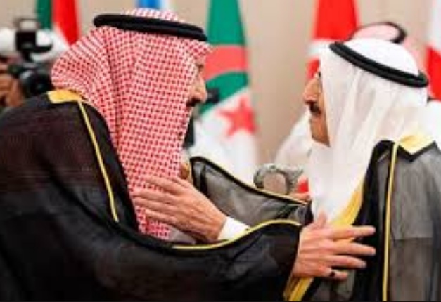 الملك سلمان وولي عهده والرئيس الإماراتي وأمير قطر يرسلون برقيات تعزية ومواساه لأمير دولة الكويت