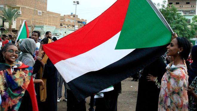 التوصل لاتفاق بين المجلس العسكري والمعارضة في السودان على إعلان دستوري 1