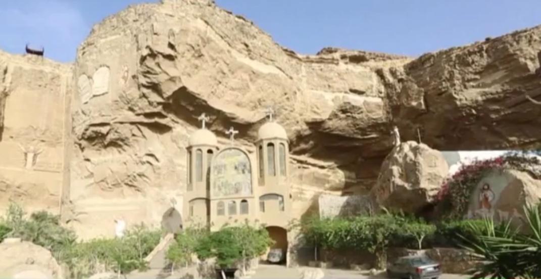 بولندي يجعل من أحد الأديرة في القاهرة تحفة فنية ومزاراً سياحياً