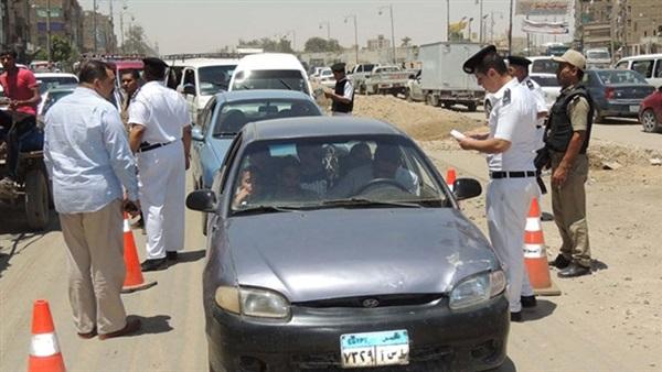 قانونًا: عقوبة السير عكس الاتجاه «غرامة 15 ألفاً وحبس سنة» وإلغاء رخصة قيادة السائق