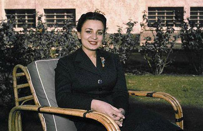 """وفاة """"الأميرة دينا"""" الزوجة الأولى لعاهل الأردن الراحل الملك حسين"""