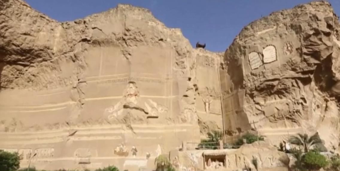 بولندي يجعل من أحد الأديرة في القاهرة تحفة فنية ومزاراً سياحياً 3