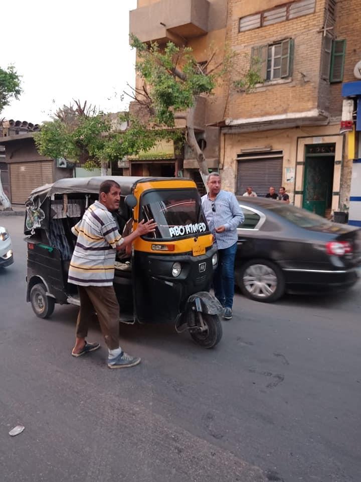 بالصور.. حملة لضبط «التكاتك» بحي السيدة زينب بالقاهرة 2