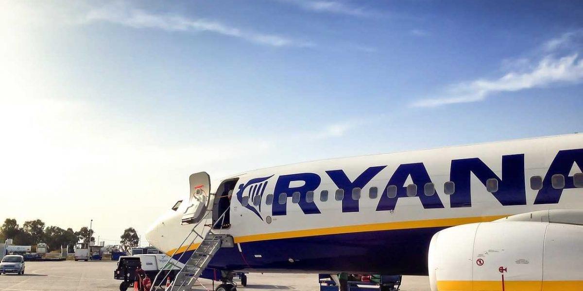"""""""التذكرة أرخص من المترو"""".. شركات طيران تقدم تخفيضات غير مسبوقة على أسعار التذاكر"""
