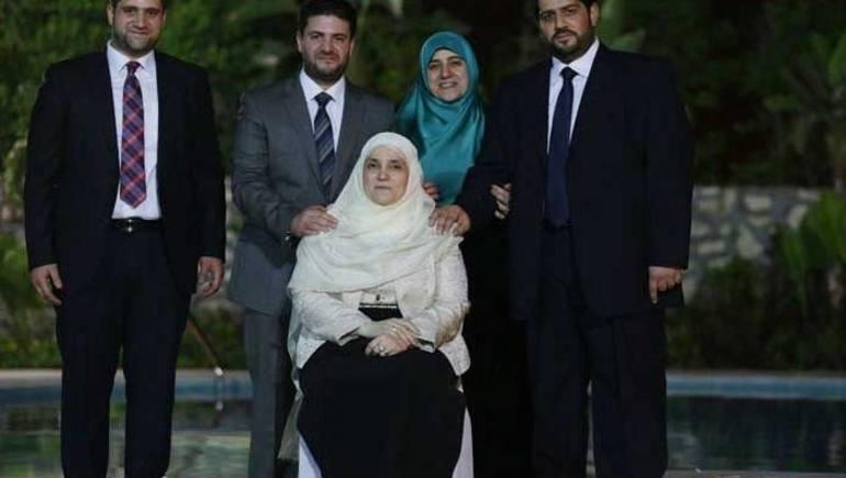 «صاحبه أوقف السيارة».. محامي الأسرة يكشف تفاصيل جديدة بشأن وفاة «عبد الله» نجل الرئيس السابق محمد مرسي 2