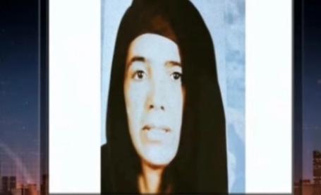 «شحاته» يعثر على والدته بعد غياب 11 عاماً ويناشد الإعلامي بعلاجها وتأهيلها نفسياً.. فيديو