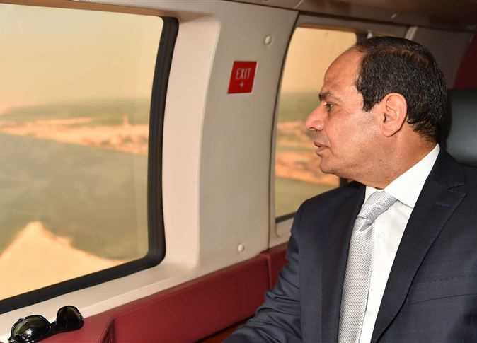 """أحمد موسى يكشف حقيقة الفيديو المسرب لـ""""طائرة الرئيس السيسي"""""""