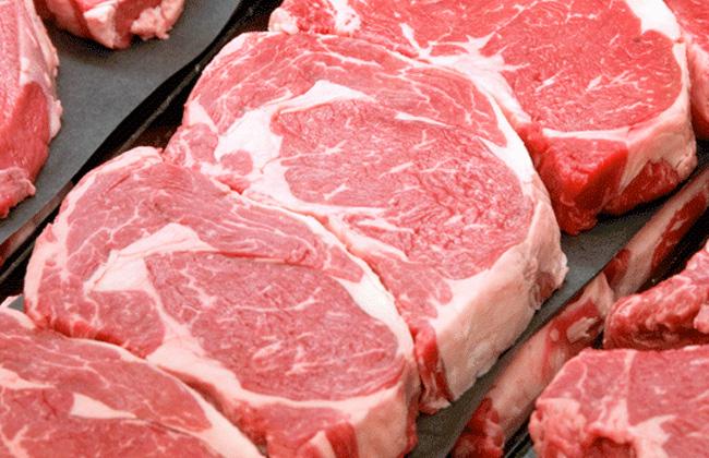 الحكومة تكشف حقيقة سبب انخفاض أسعار اللحوم الحقيقي