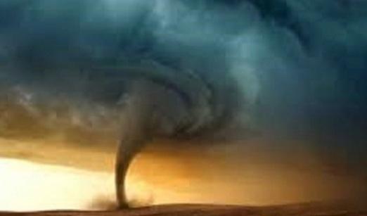 """""""بالفيديو"""" تحذيرات عاجلة للأرصاد العالمية من عاصفة وإعصار وفيضانات وأمطار غزيرة تضرب الشرق الأوسط والأرصاد المصرية تحذر من الـ72 ساعة القادمة"""