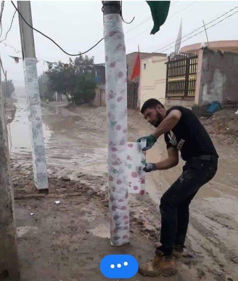 بالصور.. أول تعليق من الكهرباء على لف أعمدة الإنارة بالبلاستيك تزامناً مع الأمطار 1