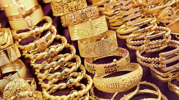 الذهب يواصل التراجع والجرام يخسر 10 جنيهات خلال يومين