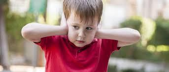 كيف تعرف أن طفلك مصاب بالتوحد