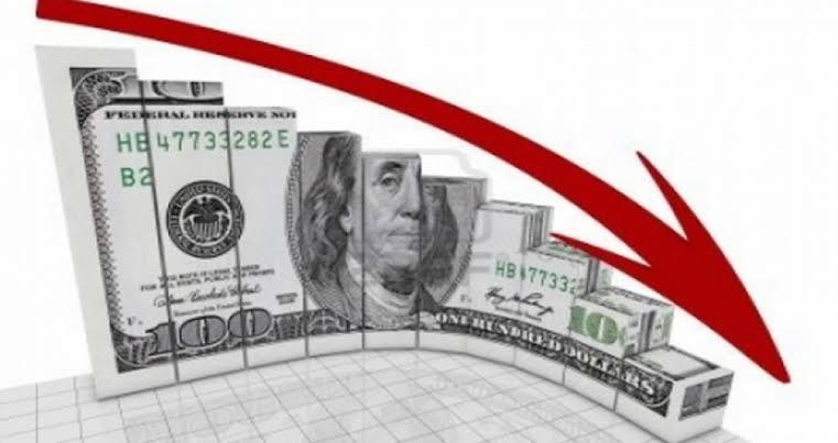 بالفيديو| خبير مال:« سينخفض لـ13 جنيه دون تدخل البنك المركزي».. سعر الدولار يتراجع في نهاية تعاملات الأسبوع