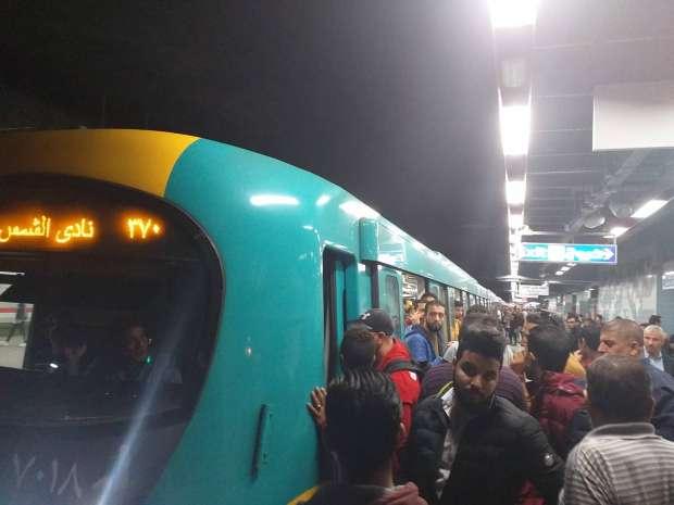 الصورة الأولى لمحطة مترو أرض المعارض بعد وفاة شاب أسفل عجلات المترو 1