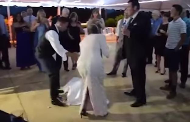 «عريس مفتري» يُسقط العروس أرضاً في مشهد صادم أمام الجميع في حفل الزفاف..صور 2