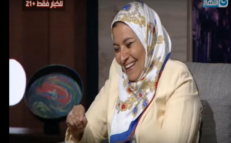 بالفيديو  هستيريا ضحك من هبة قطب بسبب سؤال من عريس صغير في السن
