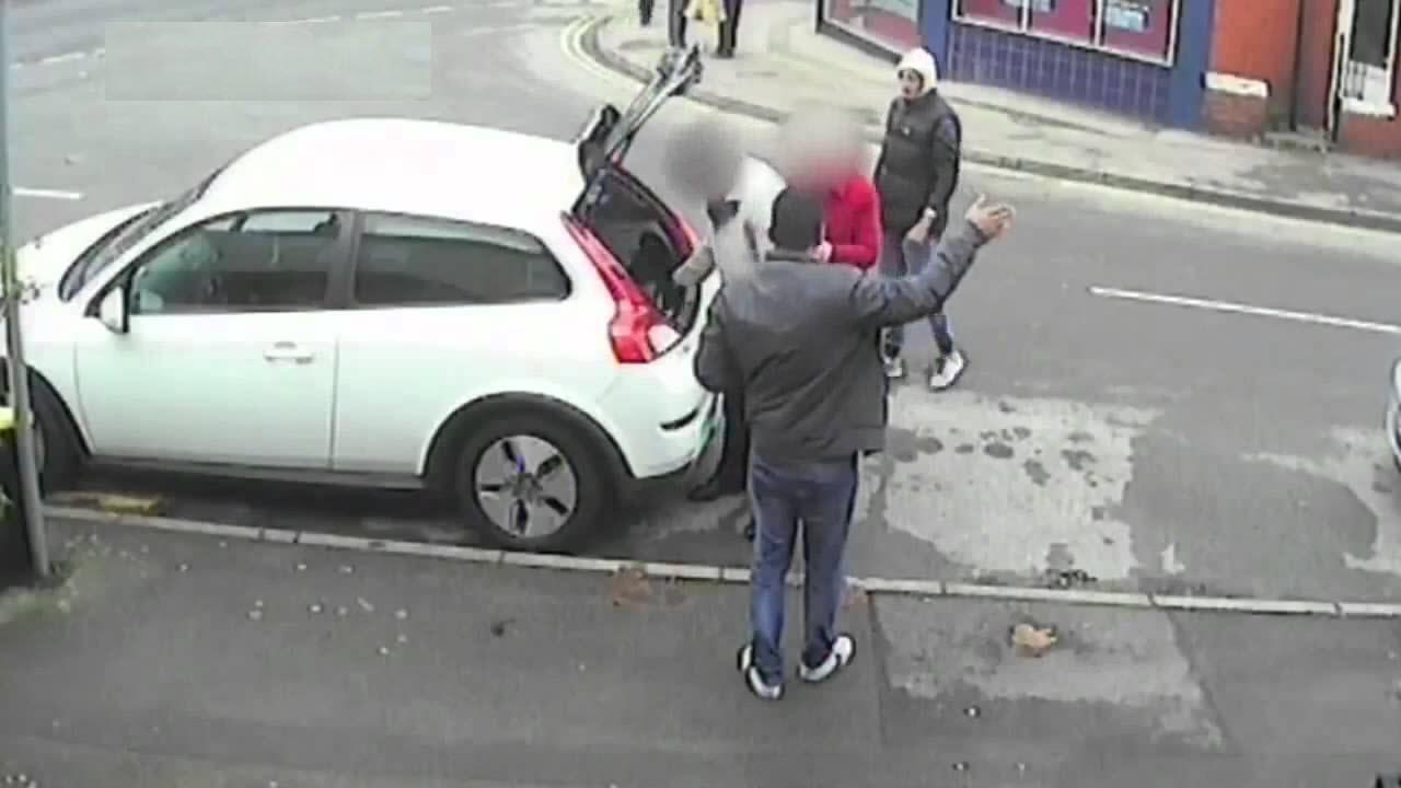 طرق جديدة لسرقة السيارات .. انتبهوا جيدًا .. اللصوص يبتكرون 3