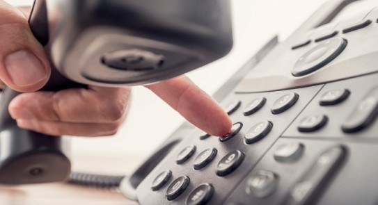 وزير الاتصالات يزف بشرى سارة للمواطنين بشأن فاتورة التليفون الأرضي.. فيديو