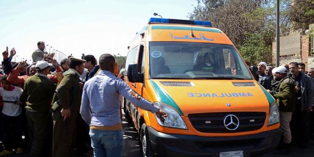 دماء على الأسفلت| وفاة 13 شخصاً وإصابة 7 آخرون في حادث الطريق الصحراوي الغربي بأسوان