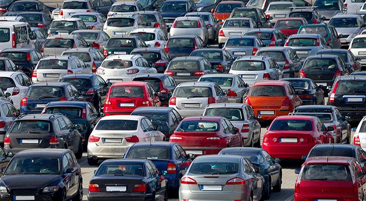 هل ستنخفض اسعار السيارات الفترة القادمة أم نتوجه للشراء؟