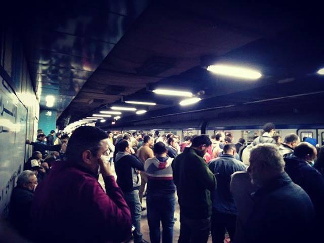 بالصور | زحام كبير في المترو اليوم قبل تنفيذ حظر التجوال 2