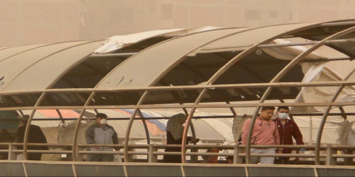 بالصور  عاصفة ترابية تضرب سماء القاهرة والجيزة منذ قليل.. طوارىء في غرف عمليات المرور