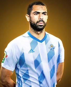 علي جبر يستقبل أحمد فتحي في صفوف بيراميدز بـ لقطة من مباراة مصر وروسيا