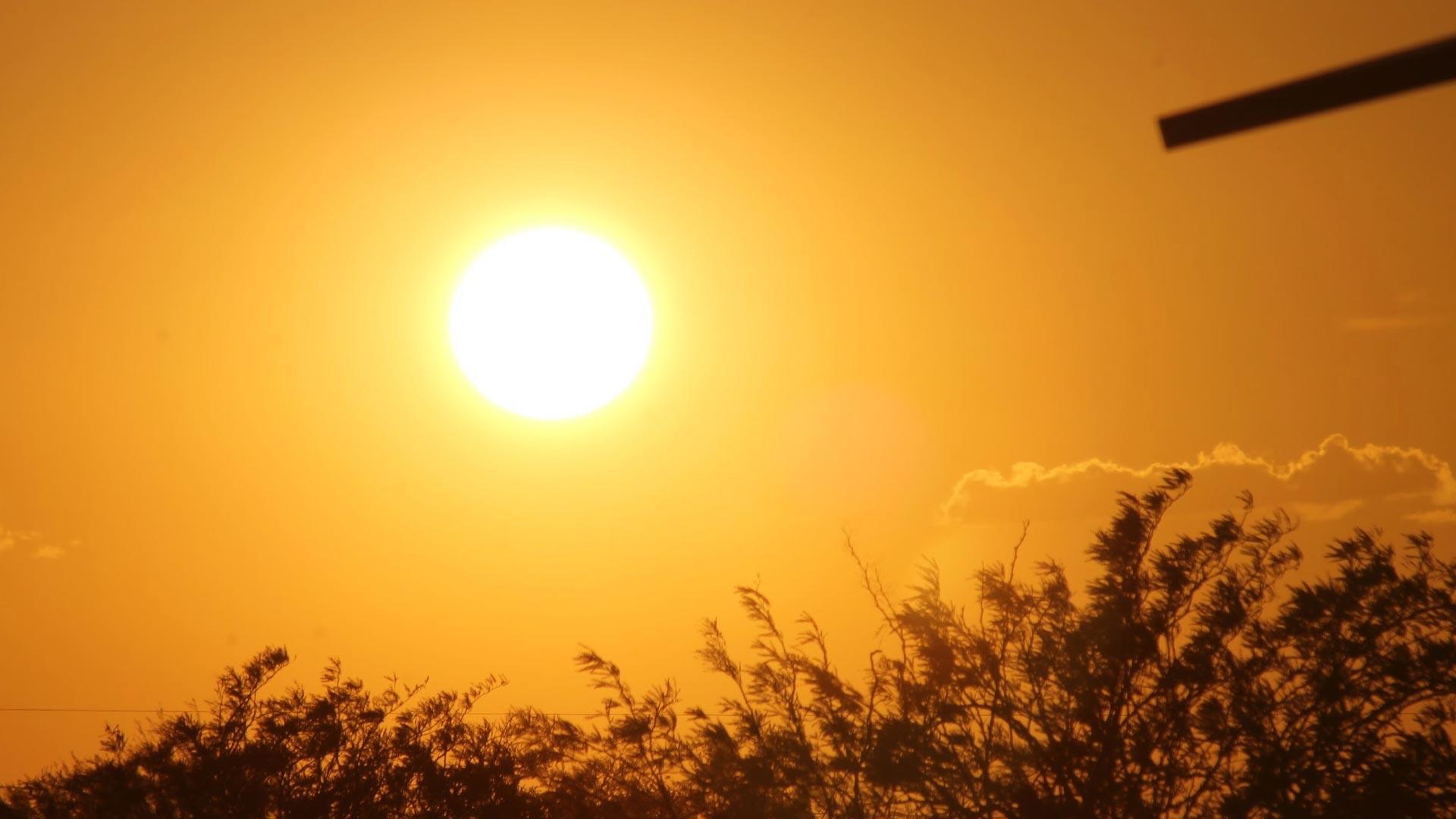 الأرصاد الجوية تعلن عن مدة بقاء الموجة الحارة