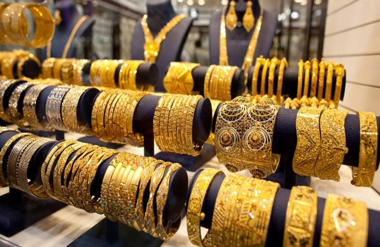 أسعار الذهب تتراجع منذ قليل لليوم الثاني على التوالي خلال تعاملات أول مايو.. وجرام 21 يخسر 15 جنيهاً