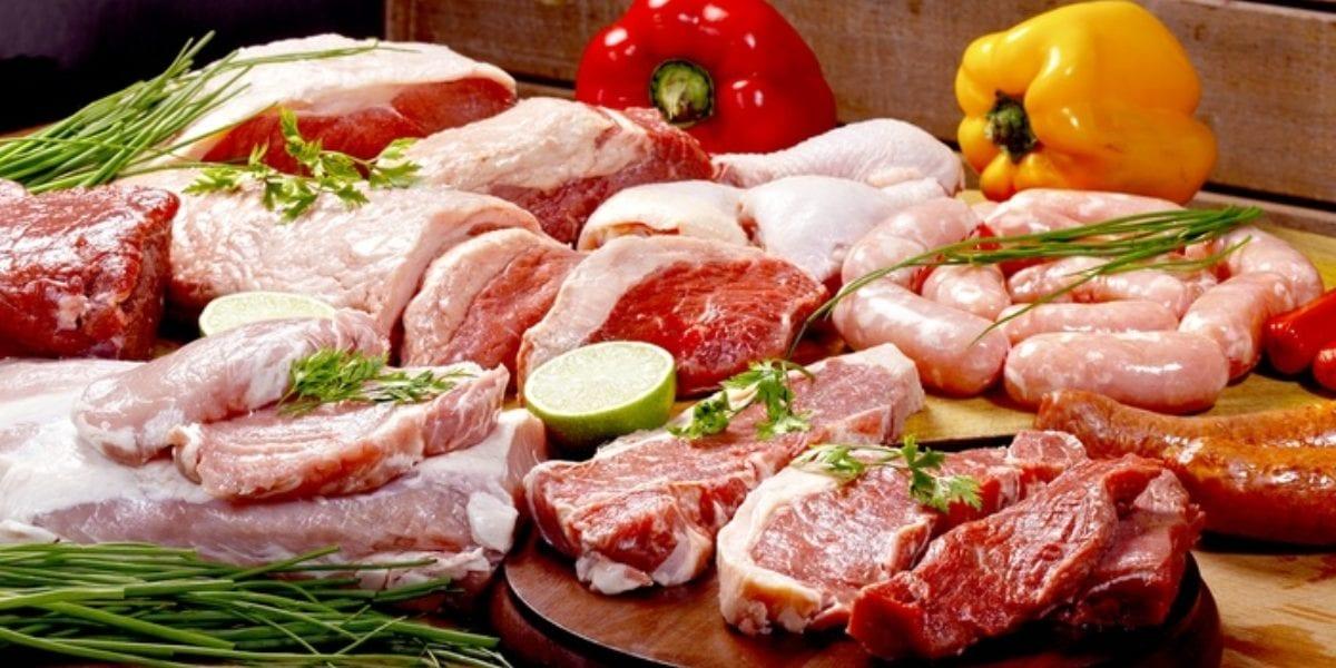 حقيقة انخفاض أسعار اللحوم والدواجن .. كيلو دواجن الأبيض 27 جنيها