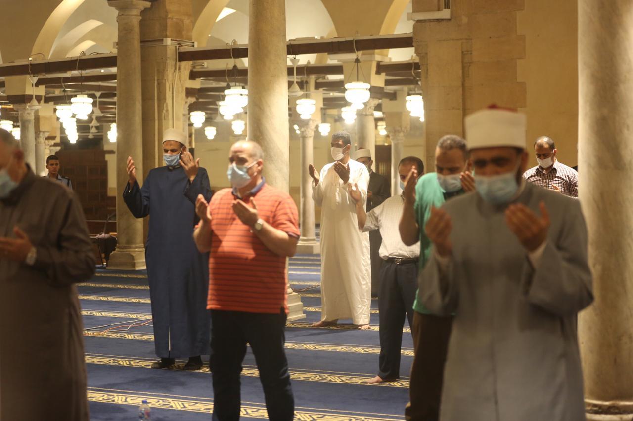عاجل| الحكومة تعلن رسمياً إعادة فتح المساجد للصلاة وإلغاء حظر التجوال وفتح المقاهي والمطاعم و7 قرارات جديدة
