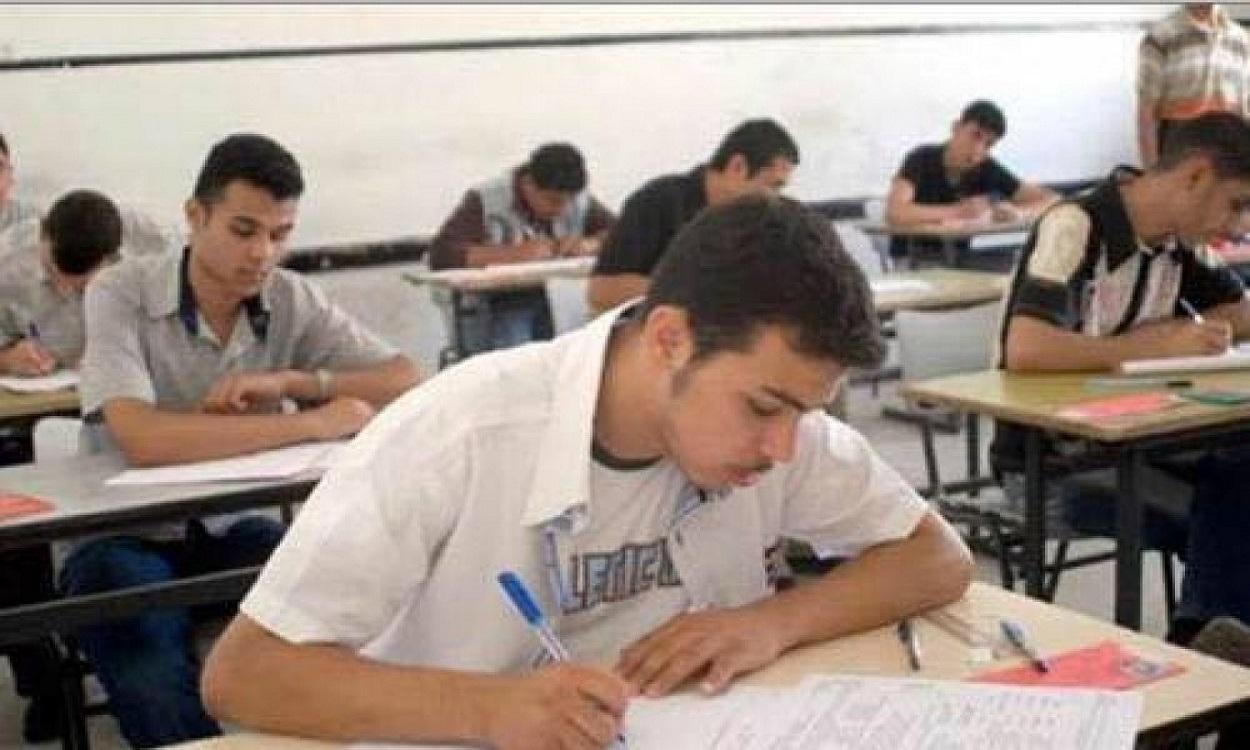 تفاصيل القبض على طالبين وراء تسريب امتحانات الثانوية العامة وأجوبتها اليوم مواقع التواصل الاجتماعي