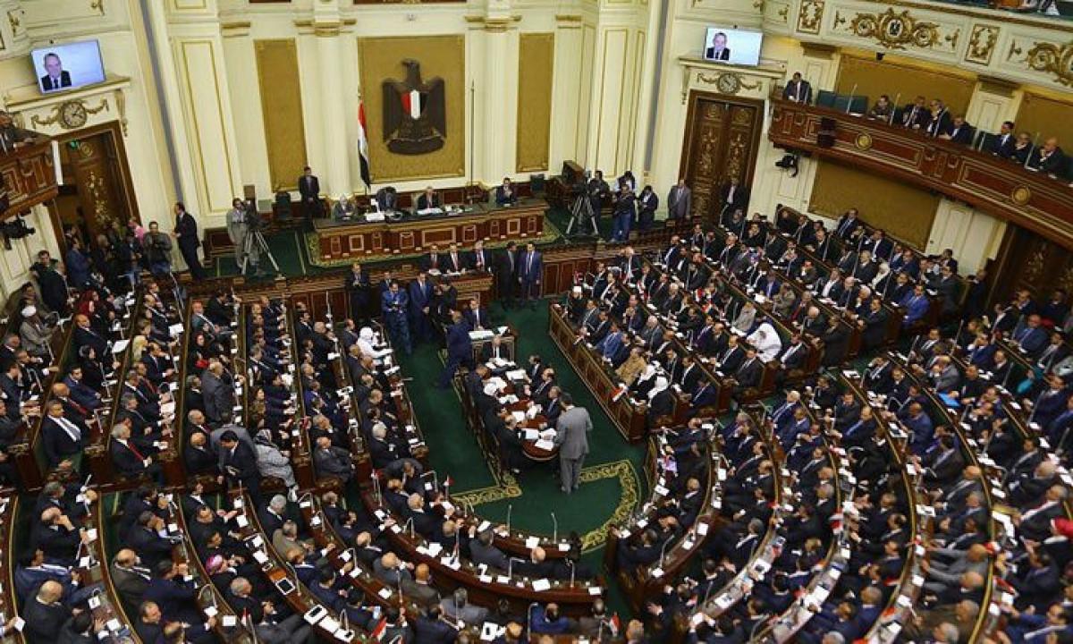 مجلس النواب: غرامات وعقوبات شديدة على معارضي الإجراءات الإحترازية لكورونا