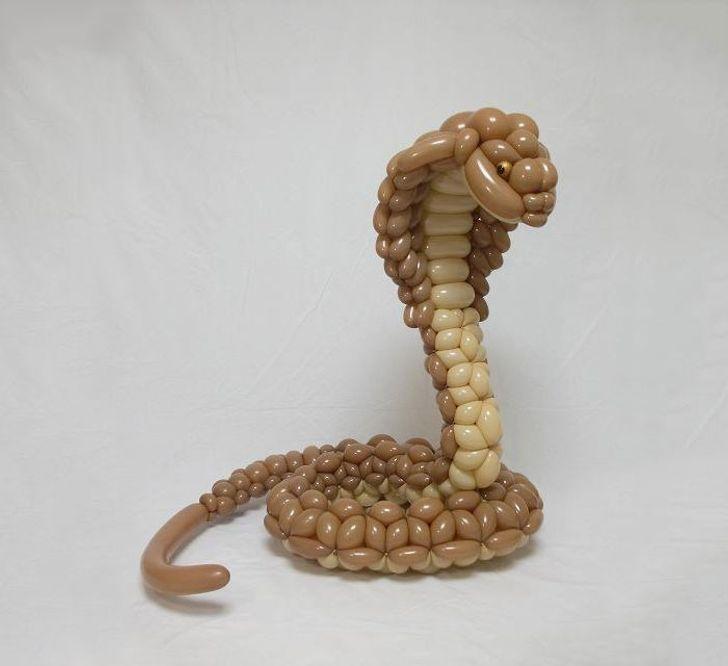 صور .. فنان ياباني عبقري يصنع منحوتات مذهلة باستخدام البالون فقط 2