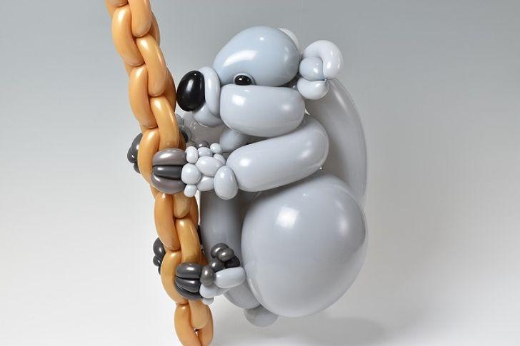 صور .. فنان ياباني عبقري يصنع منحوتات مذهلة باستخدام البالون فقط 19