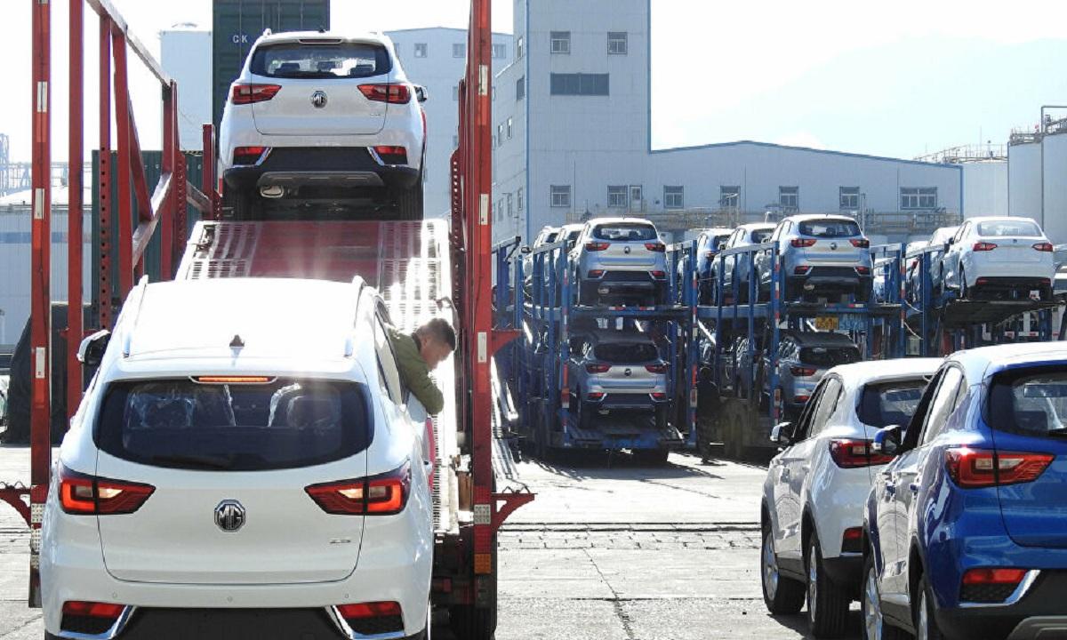 الحكومة تناقش مشروع استبدال السيارات الملاكي القديمة بأخرى حديثة وحوافز وامتيازات لملاكها