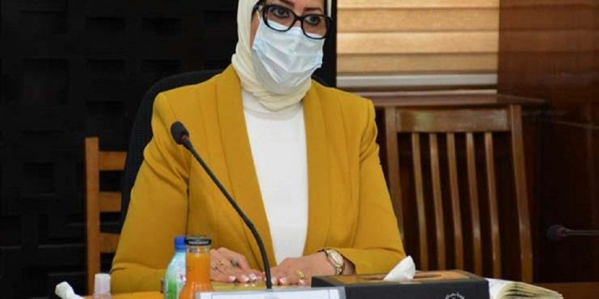 بسبب فيروس كورونا.. قرار جديد بشأن منح إجازات مرضية للعاملين بالحكومة