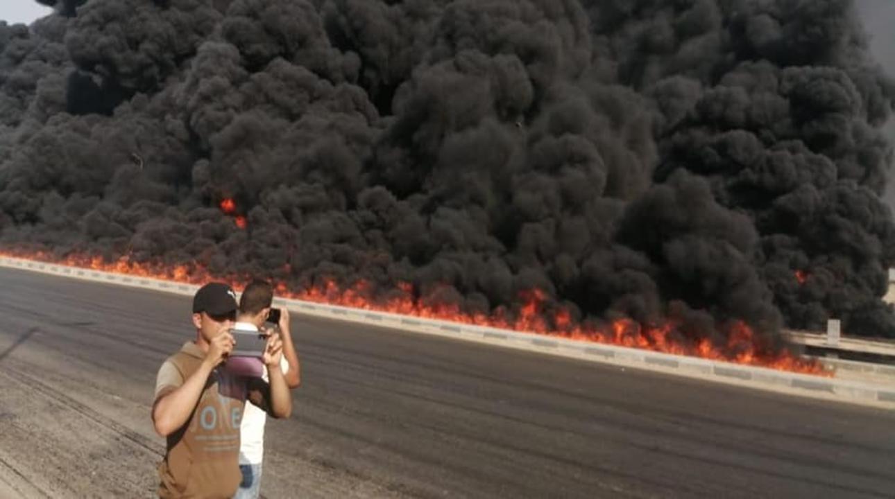 بالصور| تفاصيل حريق ضخم بطريق مصر الإسماعيلية الصحراوي 22