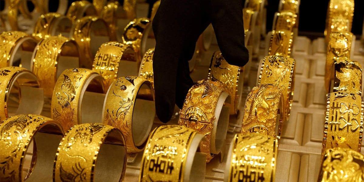 تراجع كبير في سعر الذهب والجرام عيار 21 يخسر 16 جنيه