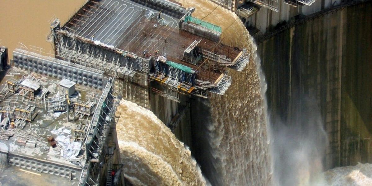 كسر في سد النهضة.. تصريحات مثيرة من خبير مائي بسبب فيضانات السودان وتأثيرها على مصر.. فيديو