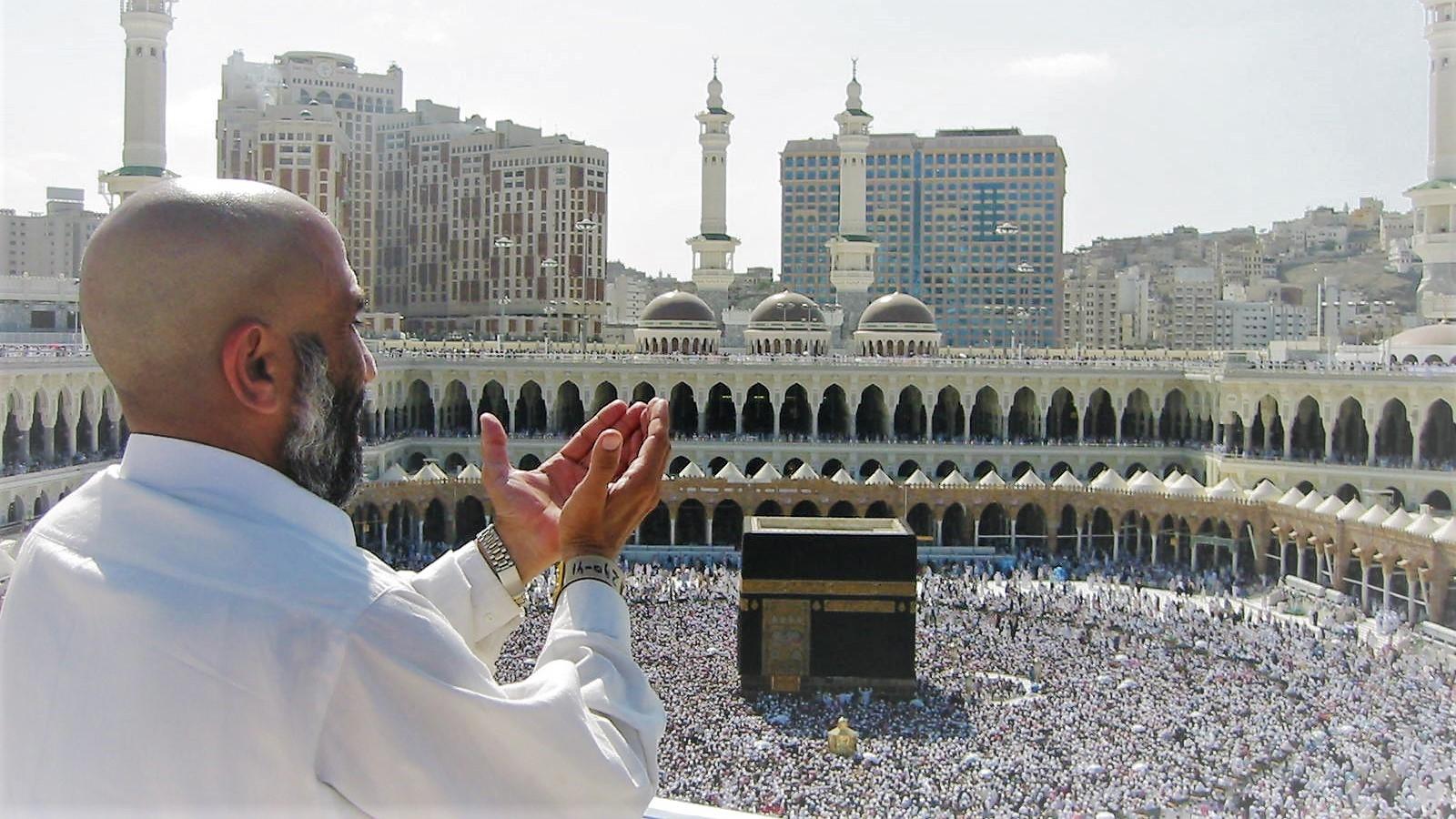 السعودية تعلن رسمياً عودة أداء العمرة ودخول المسجد الحرام والسماح بالصلاة وزيارة الروضة الشريفة 1