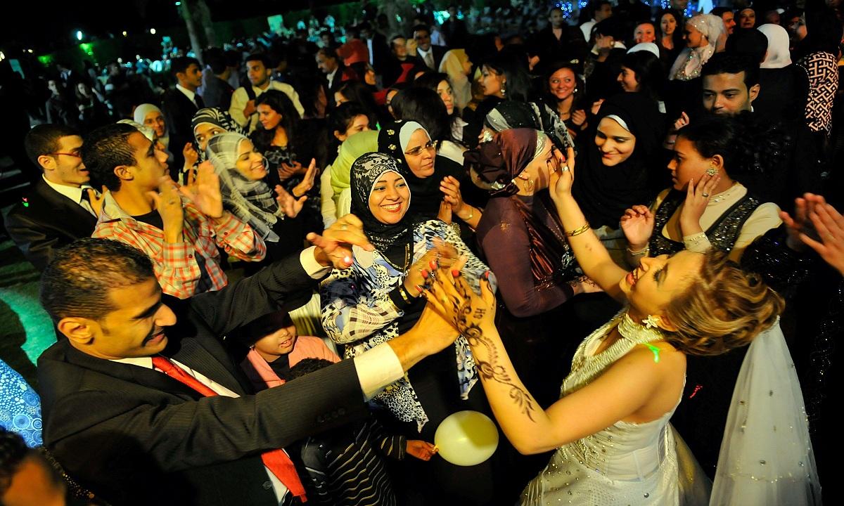 أول محافظة مصرية تقرر إعادة فتح قاعات الأفراح والمناسبات 2