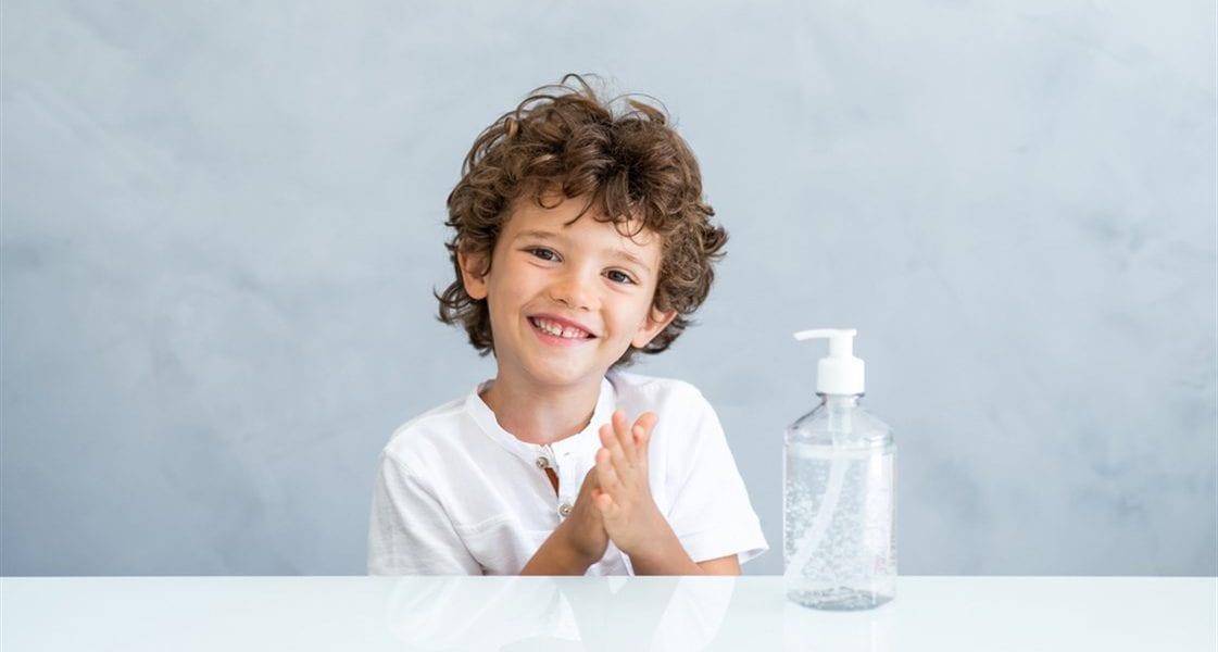 معقم اليدين للطفل