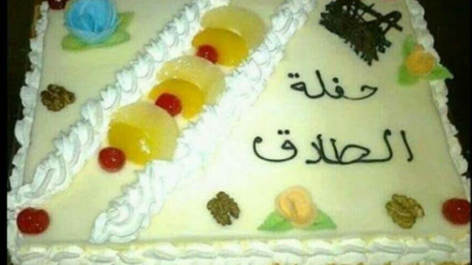 """""""أخيراً اطلقت وطلاق سعيد"""" سيدة مصرية تعمل زفة طلاق في شوارع القاهرة بسيارة سياحية ثمنها مليون ونصف 3"""