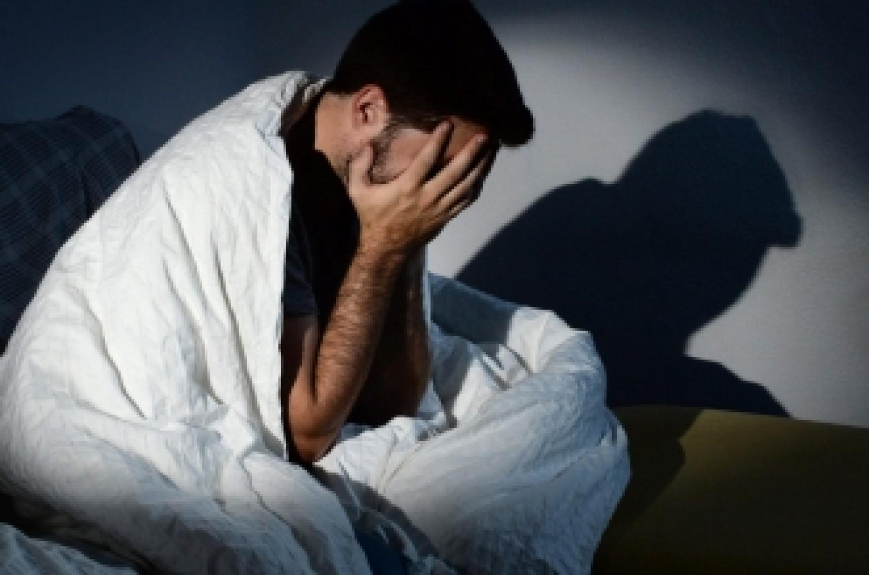 خلِّى بالك .. 5 عادات خاطئة تفعلها يوميا تؤدى إلى تلف الدماغ 1